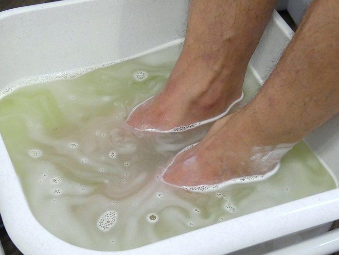 Ein Fußbad gegen kalte Füße